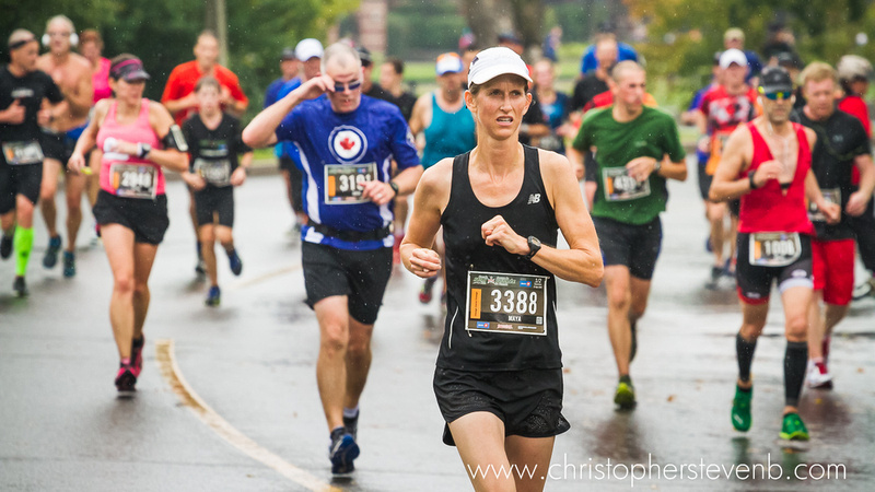 runner 3388 looking determined during half marathon