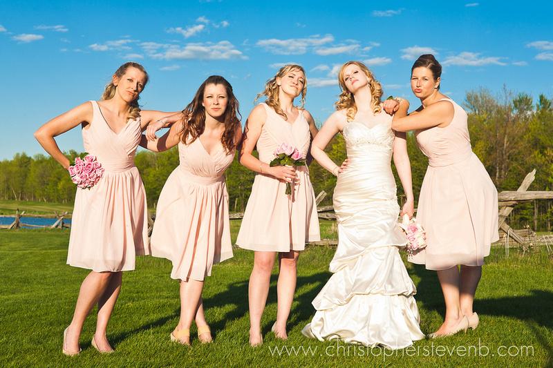 bridesmaids movie pose