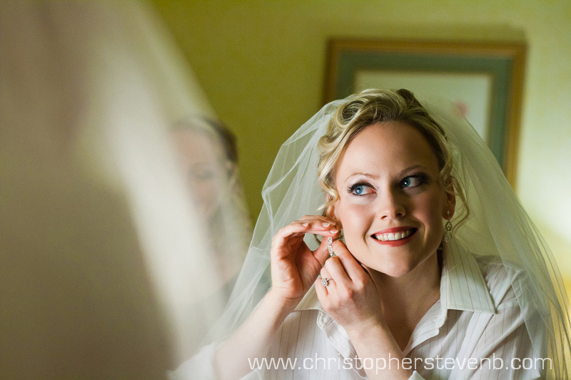 Bride getting ready at hotel room in the Royal York