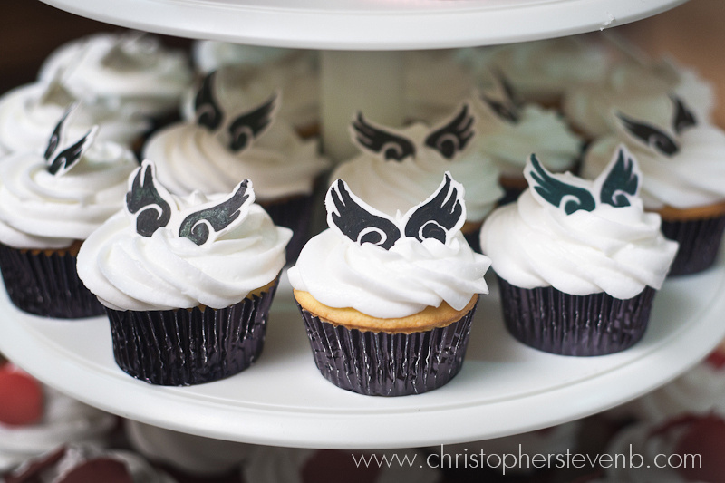 Final Fantasy themed cupcakes (wedding cake)