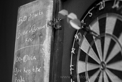 darts kissing wedding game with dart board and rules