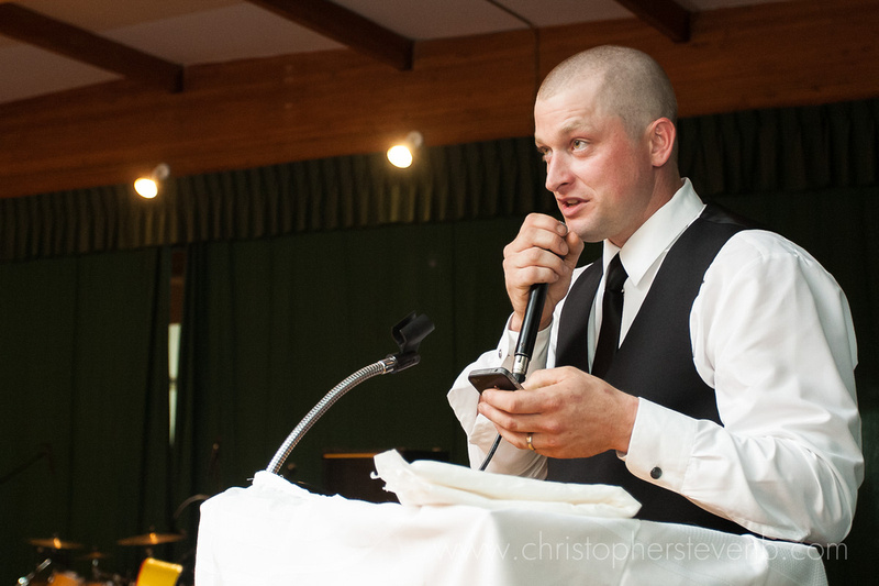 best man and brother giving speech